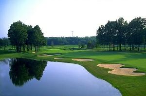 Avalon Lakes Golf Hole 15