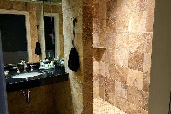 Pres Suite Bath 2
