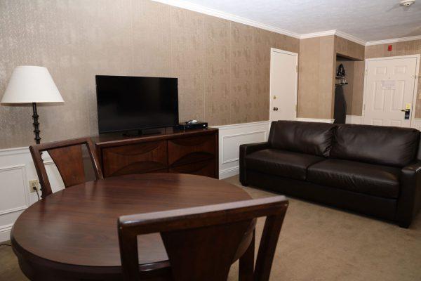 Veranda-Queen-Suite-Couch