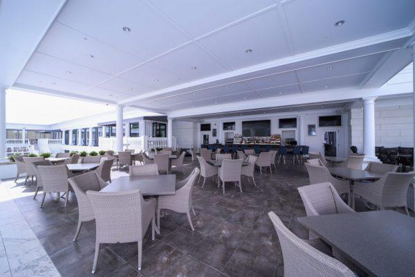 Poolside-bar-(2)